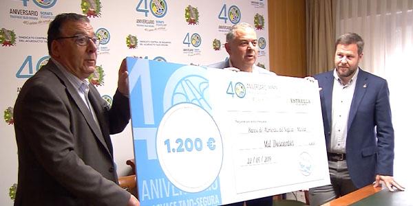 El Banco de Alimentos del Segura recibe el cheque solidario del 40º aniversario del Trasvase en Murcia